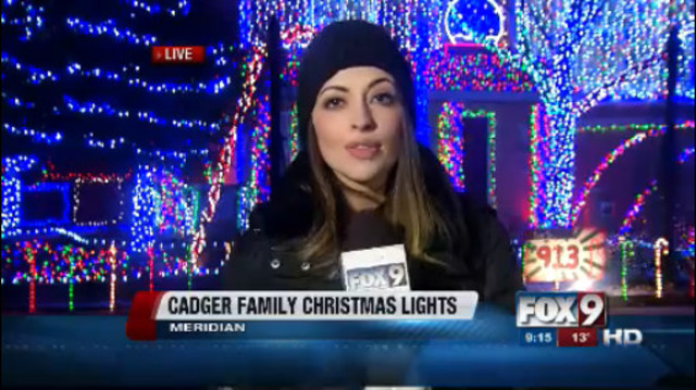 Meridan family doesn't disappoint with light display - KIVITV.com ...