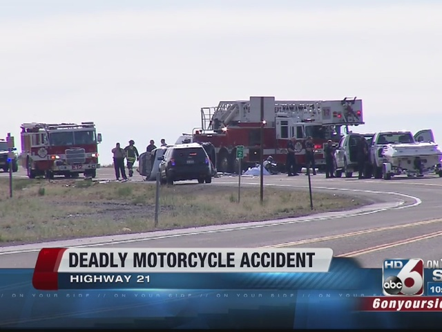 Motorcycle crash leaves one dead