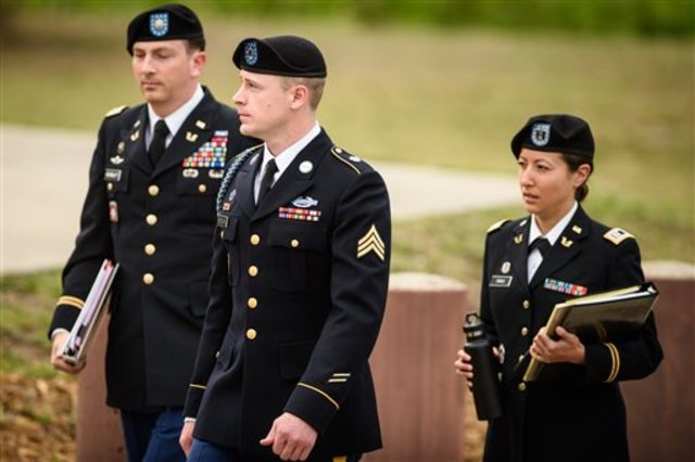 Bergdahl seeks pardon from Obama to avert desertion trial