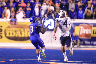 Boise State holds off BYU, wins 28-27
