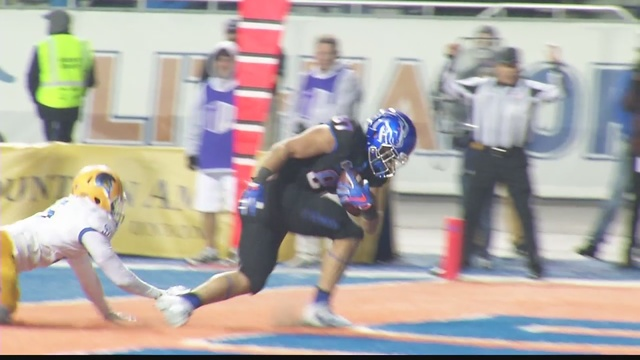 Boise State football routs Hawaii 52-16