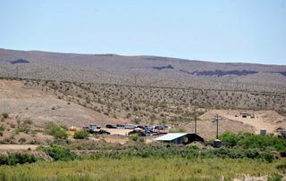 Prosecutors want three ranching standoff trials