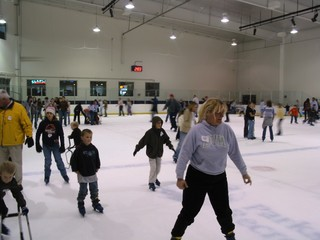 Snow prompts Learning Center, Ice World to close