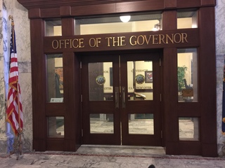 Ahlquist vows to register as governor candidate