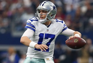 Kellen Moore signs with Cowboys, again
