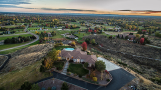 MILLION DOLLAR HOMES: Overlook the Valley