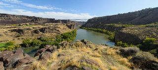 Hiker rescued from Snake River Canyon