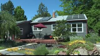 Boise couple charges car/home with solar panels