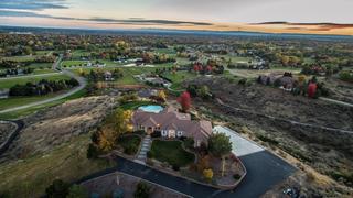 MILLION DOLLAR HOMES: Overlook the Valley